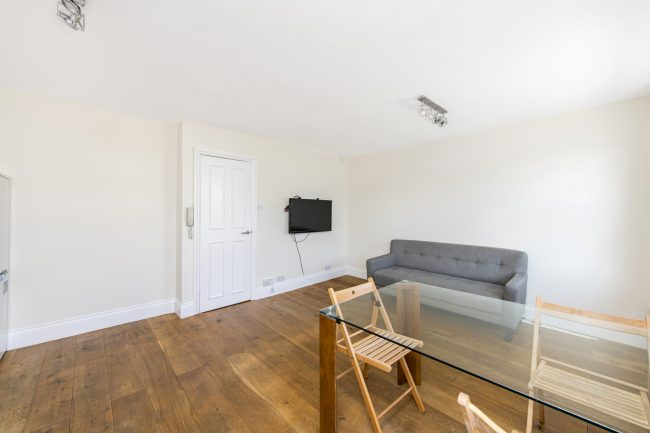 5, 16 Monmouth Road Lo-6