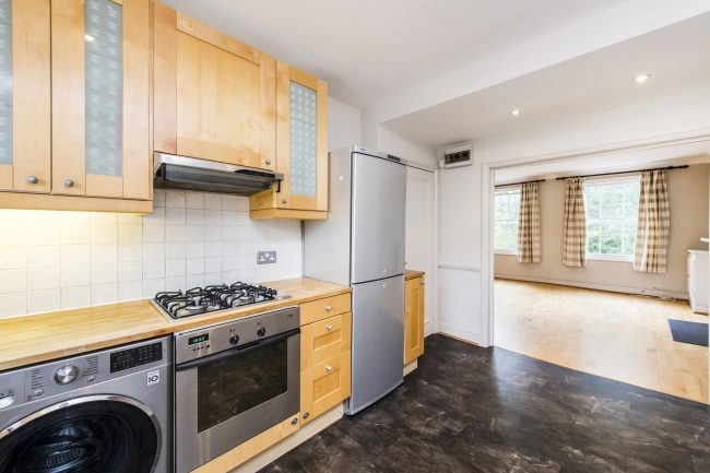 3, 28 Sutherland Place Lo-6