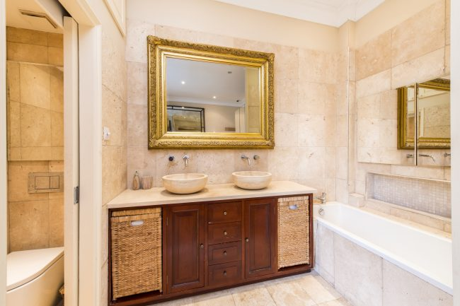 Flat 7, 75 Holland Park Lo-10