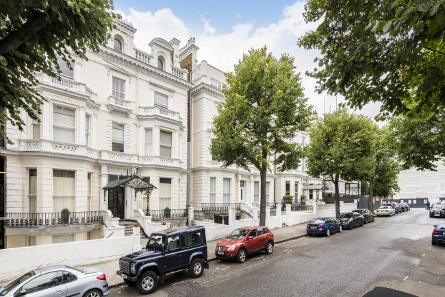 Flat 7, 75 Holland Park Lo-17