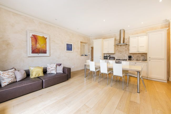 Flat 7, 75 Holland Park Lo-4