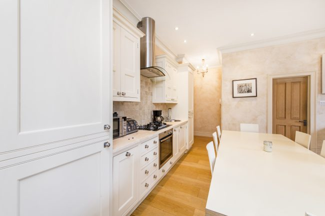 Flat 7, 75 Holland Park Lo-8