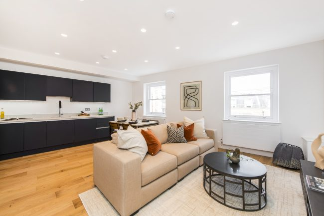 Flat 3, 125 Westbourne Grove Lo-3